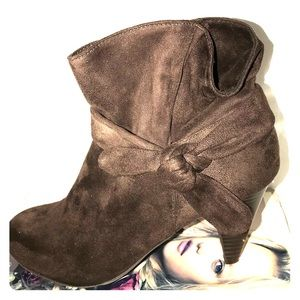 Nine West Bow 🎁 Booties , So Adorable 🌸